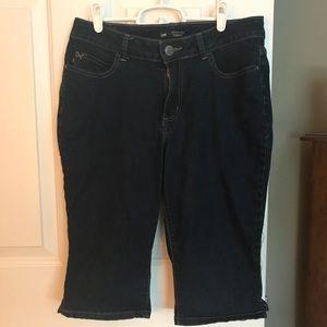Cropped jean capris